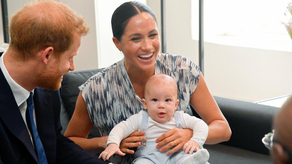Príncipe Harry, Duque de Sussex, Meghan, Duquesa de Sussex e seu filho bebê Archie