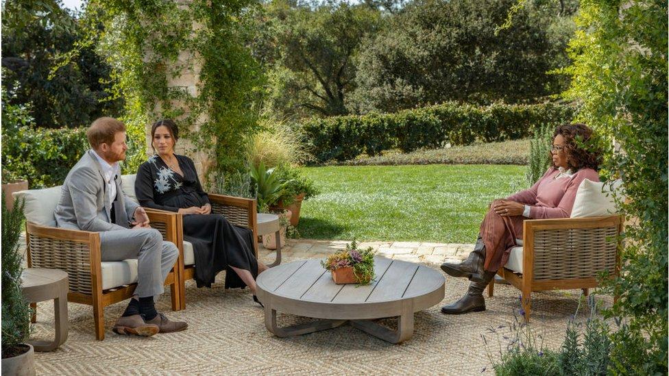 Harry e Meghan Markle deram uma entrevista a Oprah Winfrey