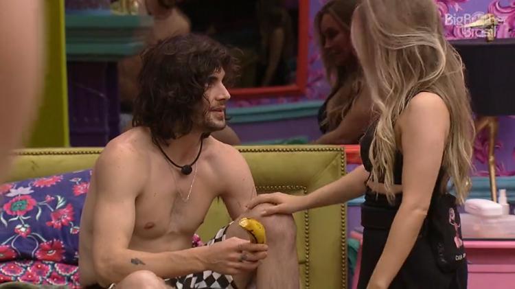 BBB 21: Carla Diaz deu banana a Fiuk - Reprodução/Globoplay - Reprodução/Globoplay