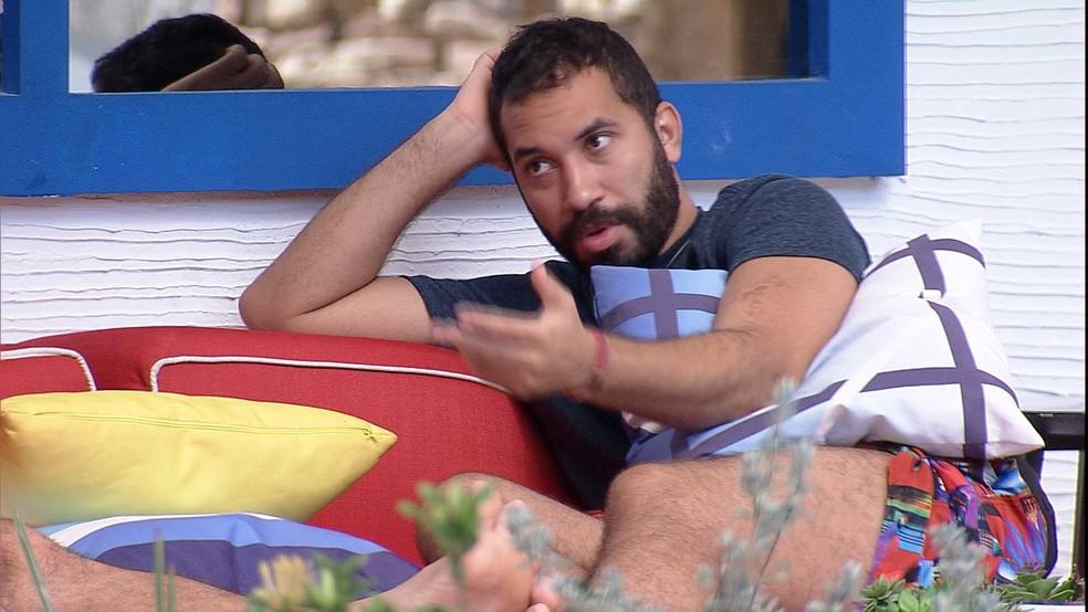 Gilberto comenta sobre o BBB21: 'Acho que vai sair um por um. O público não quer isso, não gostou disso' — Foto: Globo
