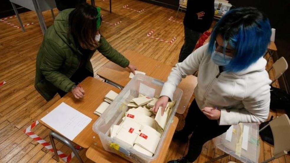 A nova Carta Magna deverá ser ratificada em um plebiscito no ano que vem — Foto: Reuters via BBC