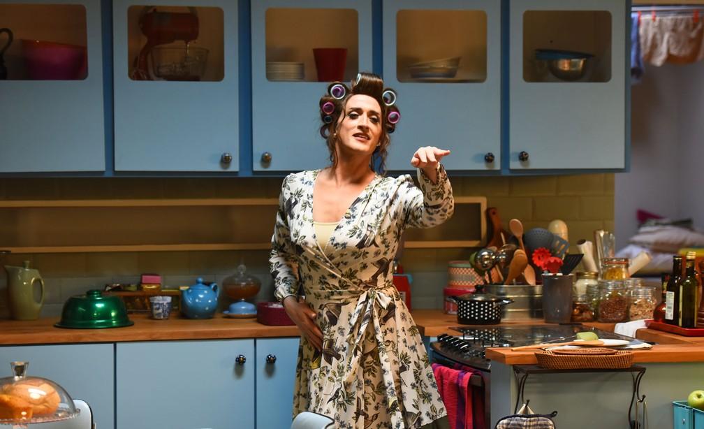 Paulo Gustavo como dona Hermínia em 'Minha mãe é uma peça 2' — Foto: Divulgação