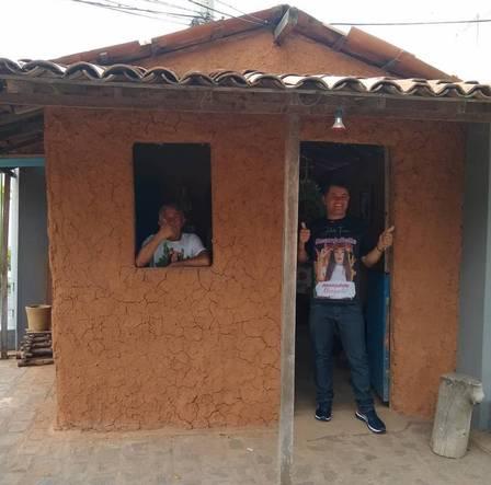 Pai de Juliette aguarda a filha na Paraíba