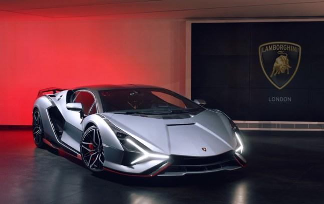 Lamborghini Sián do empresário brasileiro é cinza com detalhes vermelhos e fibra de carbono exposta — Foto: Divulgação